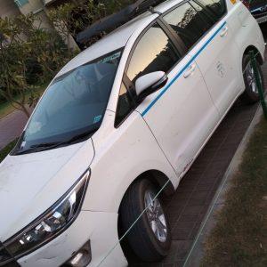 innova crysta taxi in delhi