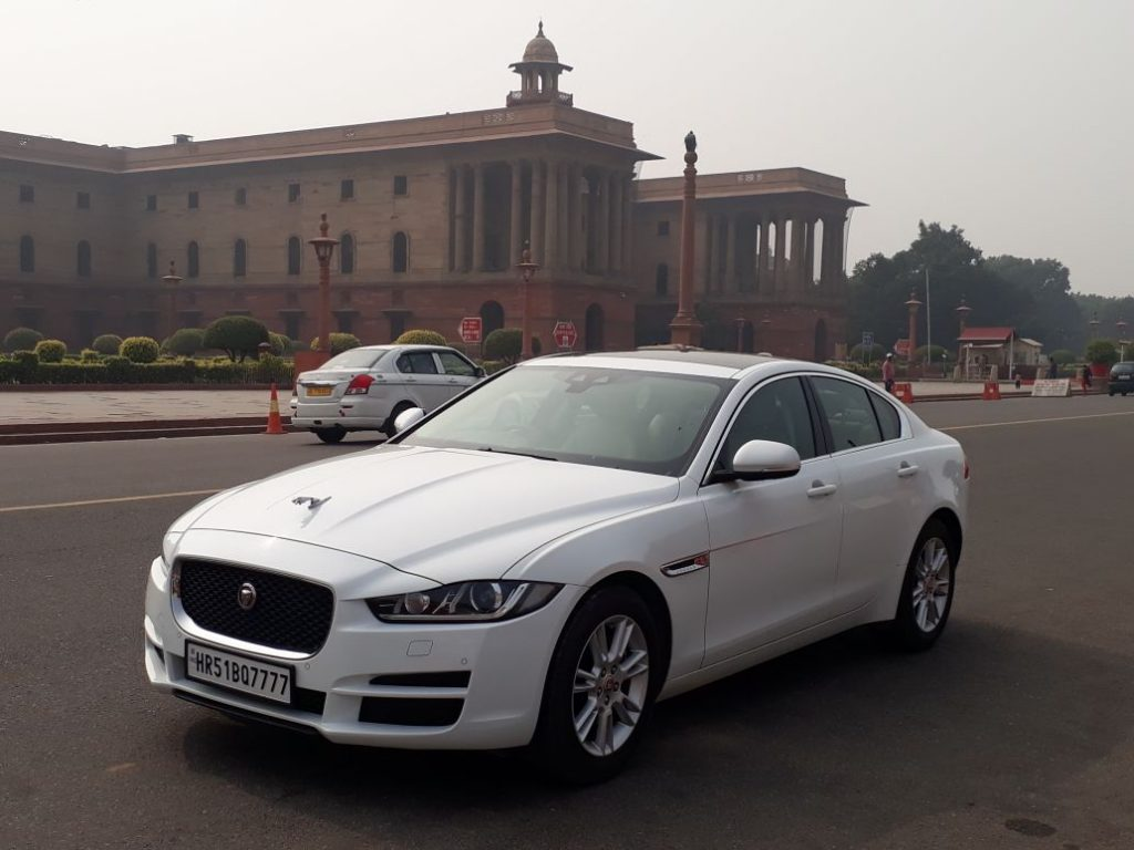 Luxury car on rent in Paschim Vihar